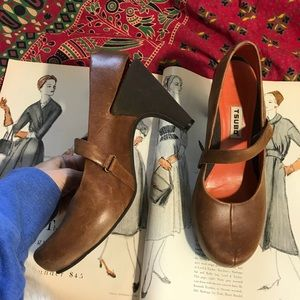 TSUBO Brown Leather Heels Velcro Strap